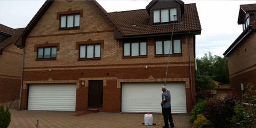 Reach & Wash Window Cleaners in Fife